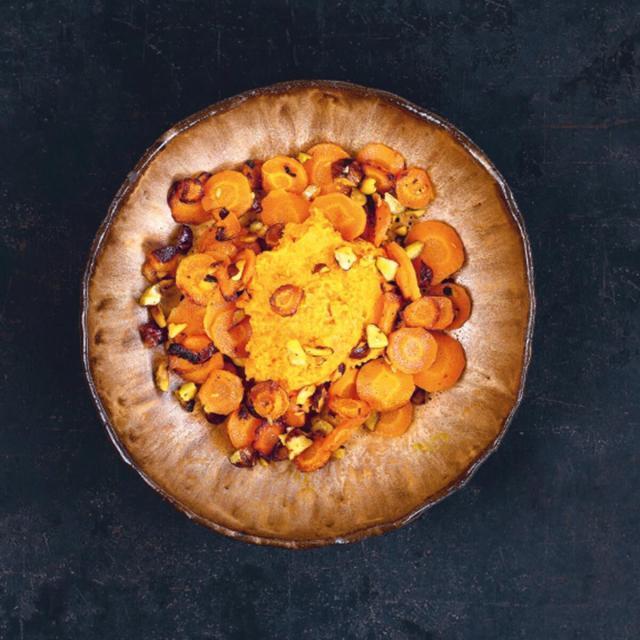 Rezept von Stefanie Hiekmann: Zweierlei Karotten mit Vanille, Haselnuss & Zitrone