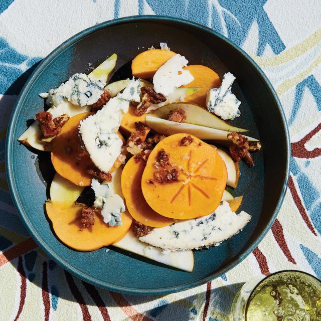 Rezept von Alison Roman: Kaki & Birnen mit Blauschimmelkäse