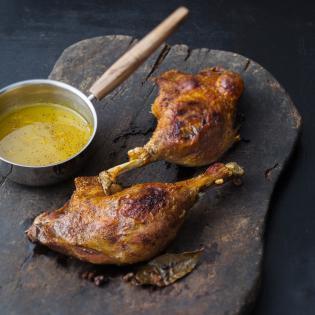 Rezept von Alexander Herrmann: Knusprige Entenkeule mit schneller Orangen-Zimt-Sauce
