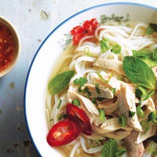 Rezept von Andrea Nguyen: Schnelle Hühnchen-Pho