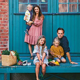 Kochbuchautoren Luise Vindahl & David Frenkiel mit ihren Kindern