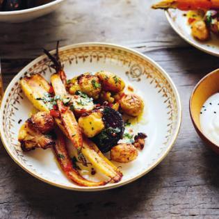 Rezept von Diana Henry: Indisch gewürztes Gemüse aus dem Ofen