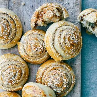 Rezept von Sami Tamimi & Tara Wigley: Süße Tahin-Schnecken