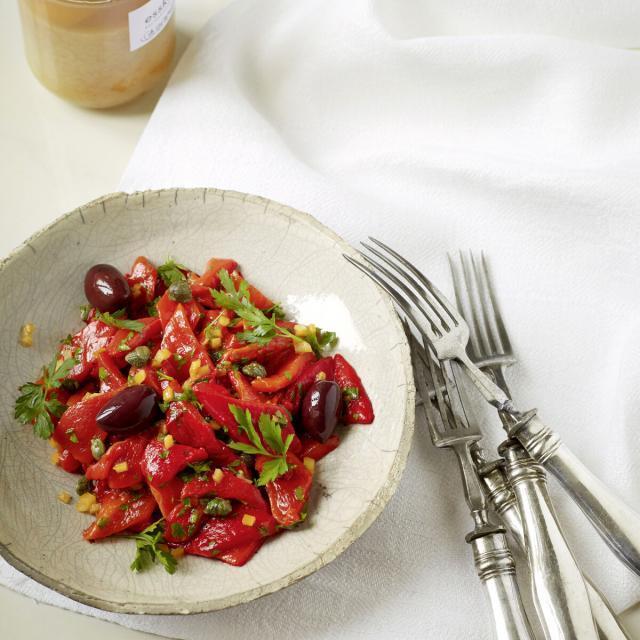 Rezept von Katharina Seiser: Gegrillte Paprika mit Salzzitrone und Kapern