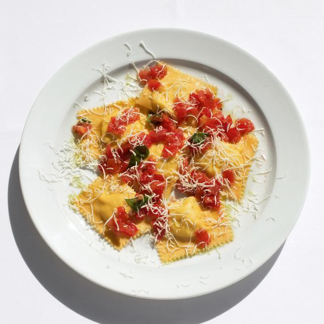 Rezept aus River Cafe 30: Ravioli mit Ricotta, rohen Tomaten und Basilikum
