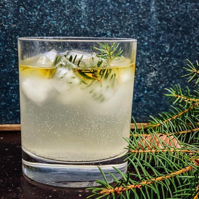 Rezept von Yvette van Boven: Pine & Ginger Drink