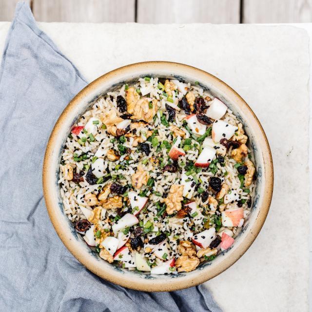 Rezept von Yvette van Boven: Vollkornreissalat mit Äpfeln, Walnüssen & Cranberrys