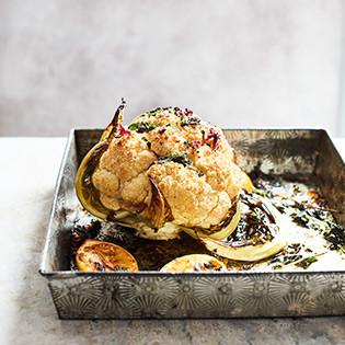 Kochbuch von Kathy Kordalis: Blumenkohl – Kochen mit Köpfchen