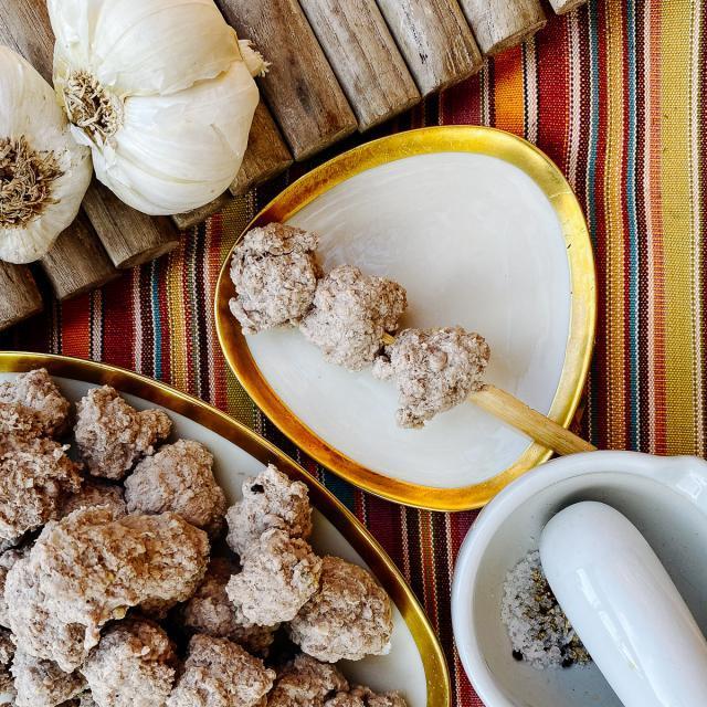 Rezept von Andy Ricker: Federnde Schweinefleischbällchen (Muu Deng)