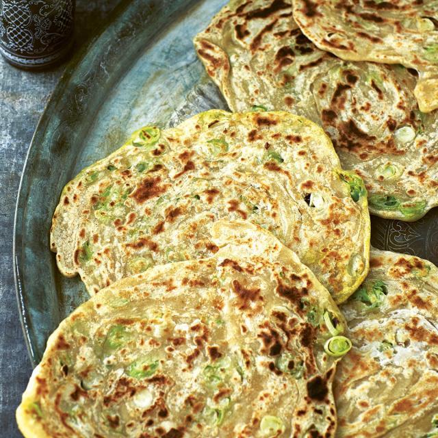 Rezept von Anissa Helou: Bing – Uigurische Frühlingszwiebel-Pfannkuchen