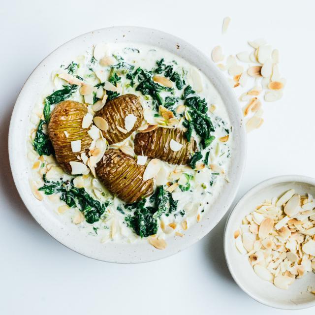 Rezept von Nigel Slater: Gebackene neue Kartoffeln & Spinatsoße