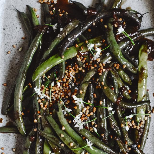 Rezept von Krautkopf: Geschmorte Buschbohnen mit Buchweizen