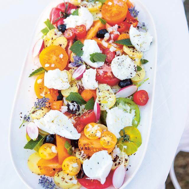 Rezept von Caleigh Megless-Schmidt: Tomaten-Mozzarella-Salat mit Kartoffeln